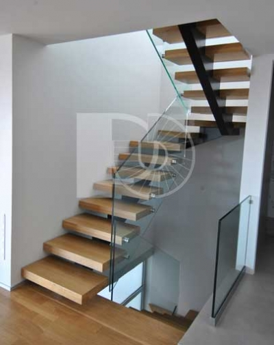 MONTE CARLO STAIR